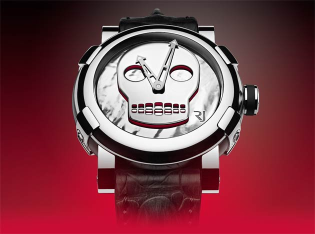 RJ-Romain Jerome welcomes contemporary art. For its first partnership of this kind, the watchmaking Maison has chosen to collaborate with an internationally renowned Swiss artist, John M Armleder.