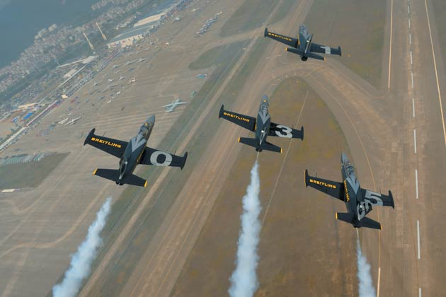 The Breitling aviation team wows the crowds at the 9th China International Aviation & Aerospace Exhibition