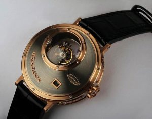 In creating the Nemo Captain, Thomas Prescher utilised his Triple Axis Tourbillon movement for the core and added a new jumping hour indication.