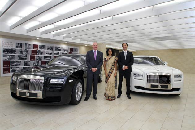 The new Rolls-Royce dealership in Hyderabad will be represented by authorised dealer Kun Motoren Private Limited. Situated on the second floor of Kun Motoren's luxury car hub in Hyderabad, the 5,400 square foot, three-car Rolls-Royce showroom also boasts a carefully crafted bespoke lounge where customers are able to select the intimate detailing within the iconic motor vehicles.