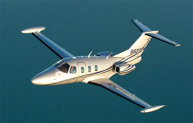 The Eclipse 550 Twin-Engine Exective Jet powers in ... Eclipse Jet