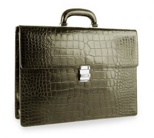 Headlining the collection is the unique Meisterstück Selection Briefcase, a timeless piece, precisely hand-crafted in genuine alligator leather in British Racing Green, and, for the first time, adorned with a clasp encrusted with diamonds.