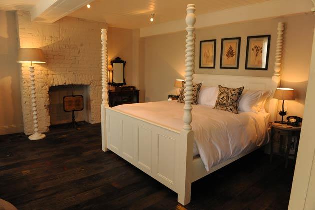 pig-hotel-room