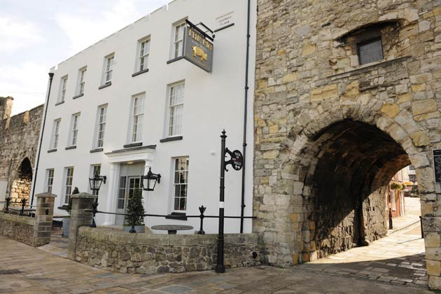 The Pig in the Wall - A stylish hotel featuring 12 shabby chic bedrooms set within Southampton's historic medieval walls. The hotel also has a delicious deli counter serving charcuterie boards, salads and great wines by the glass.