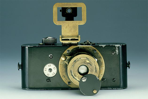 Simone Zeffiro looks at the history of Leica Cameras and discovers what makes it such a well loved brand. 4