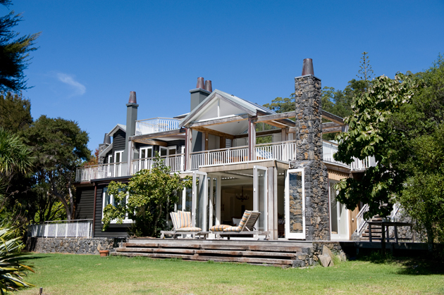 970 Lonely Bay Lodge – The Perfect Setting For Honeymooners