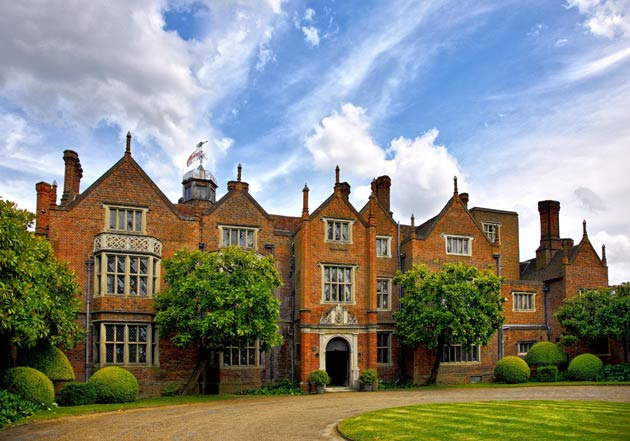Great Fosters is a Grade One listed luxury romantic hotel set amongst 50 acres of stunning gardens and parkland in Egham, Surrey (UK)