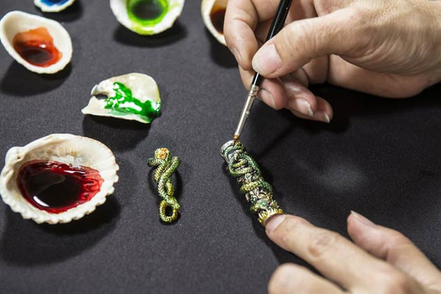 To complement and commemorate this year in the Chinese Zodiac, Montegrappa, makers of the worlds finest writing implements will issue a special version of the Snake pen for connoisseurs of hand-painting.