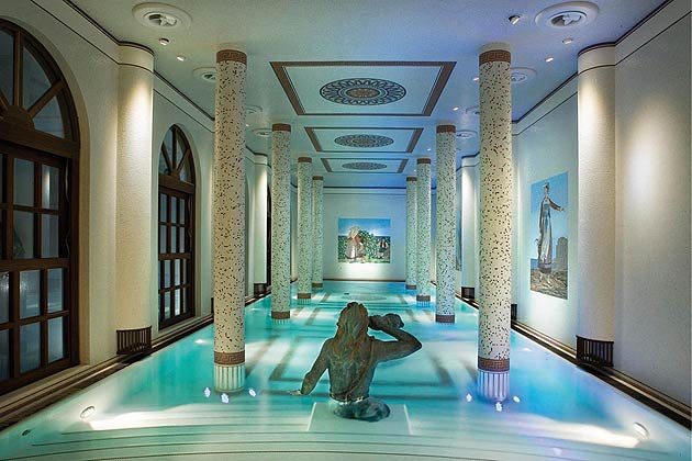 The hotel's extensive spa draws on achieving the best from its local curative waters, using only natural products within its treatments