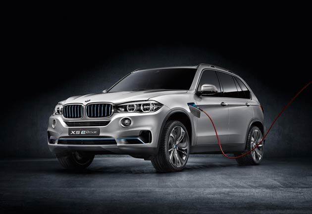 BMW eDrive meets BMW xDrive – an innovative combination designed to deliver efficient driving pleasure: The BMW Concept5 X5 eDrive.