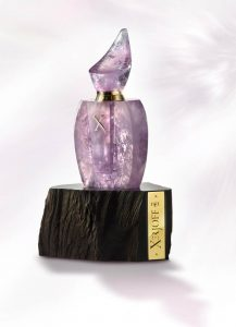 Harrods of London currently has one of the limited edition bottles from the 17/17 Quartz Collection. Hand-crafted from a single piece of Amethyst Quartz, this exquisite bottle is unique and available for a cool £32,000.00!