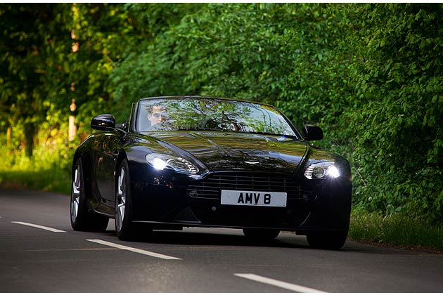 Simon Wittenberg experiences the Aston Martin V8 Vantage Roadster