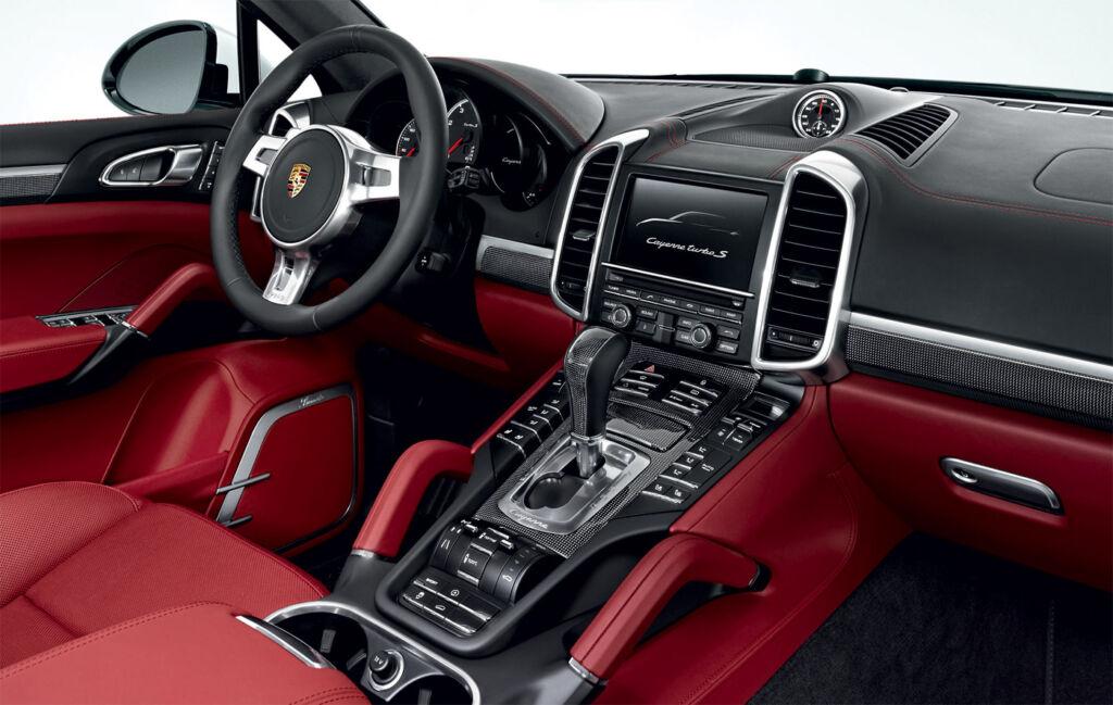 Porsche Cayenne Turbo S PCM