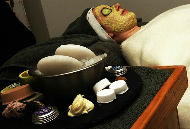 Luxurious Magazine contributor Reena Patel, samples Lush Spa in London's fashionable King's Road