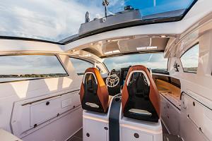 Revolver 44GT Yacht
