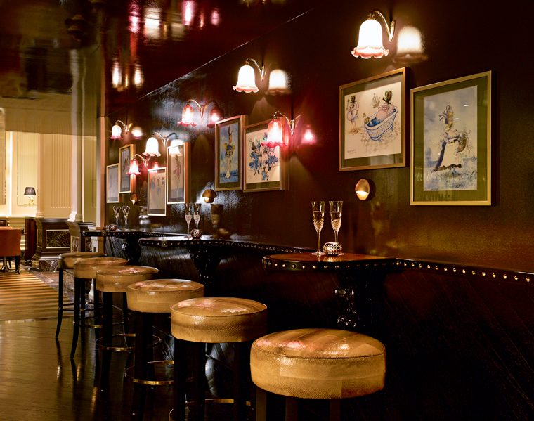 Luxurious Magazine sample the delights on offer at St James Bar in London 4