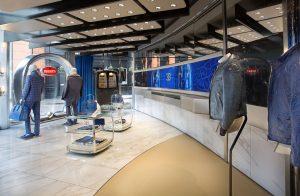 Bugatti opens lifestyle boutique in London's exclusive Knightsbridge 8