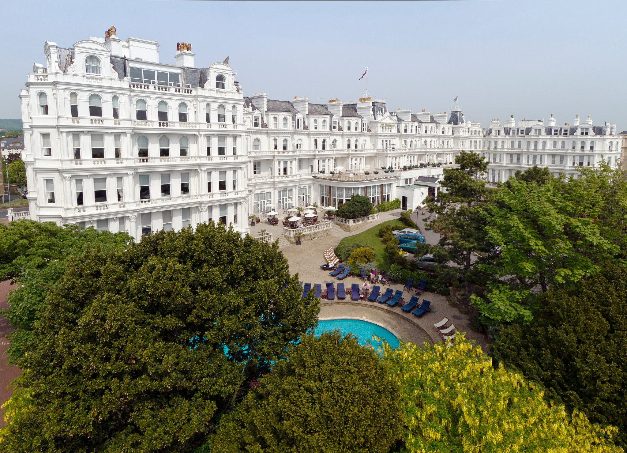 Coastal comforts at the grand hotel eastbourne luxurious for Grand hotel