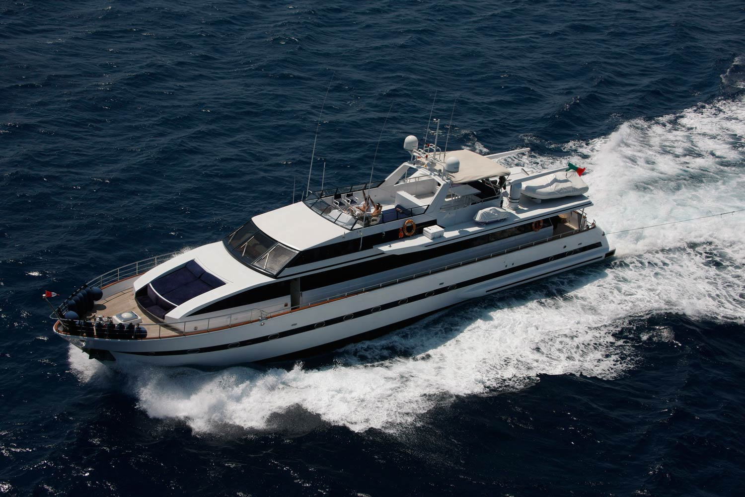 easyboats Introduces Unique 36-Guest Charter Superyacht to Mallorca