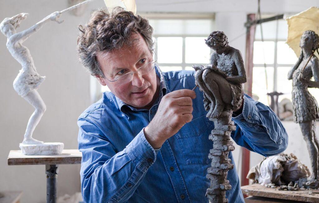 Luxurious Magazine talks to renowned sculptor David Williams-Ellis
