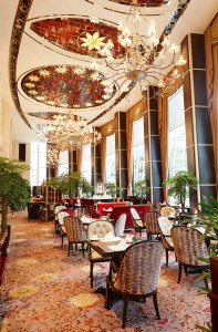 St. Regis Singapore, Brasserie Les Saveurs