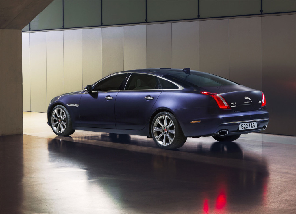 Subtle changes to the exterior design, accentuated by full LED headlights, add to the XJ's already distinctive looks