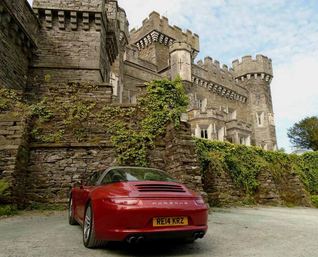 Luxurious Magazine Road Tests The Porsche 911 Targa 4 2