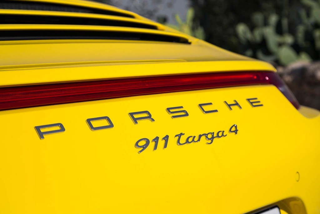 Luxurious Magazine Road Tests The Porsche 911 Targa 4 7