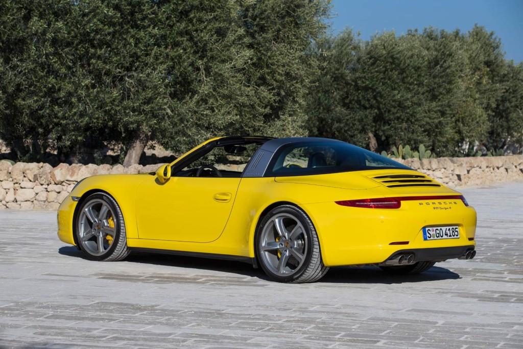 Luxurious Magazine Road Tests The Porsche 911 Targa 4 8
