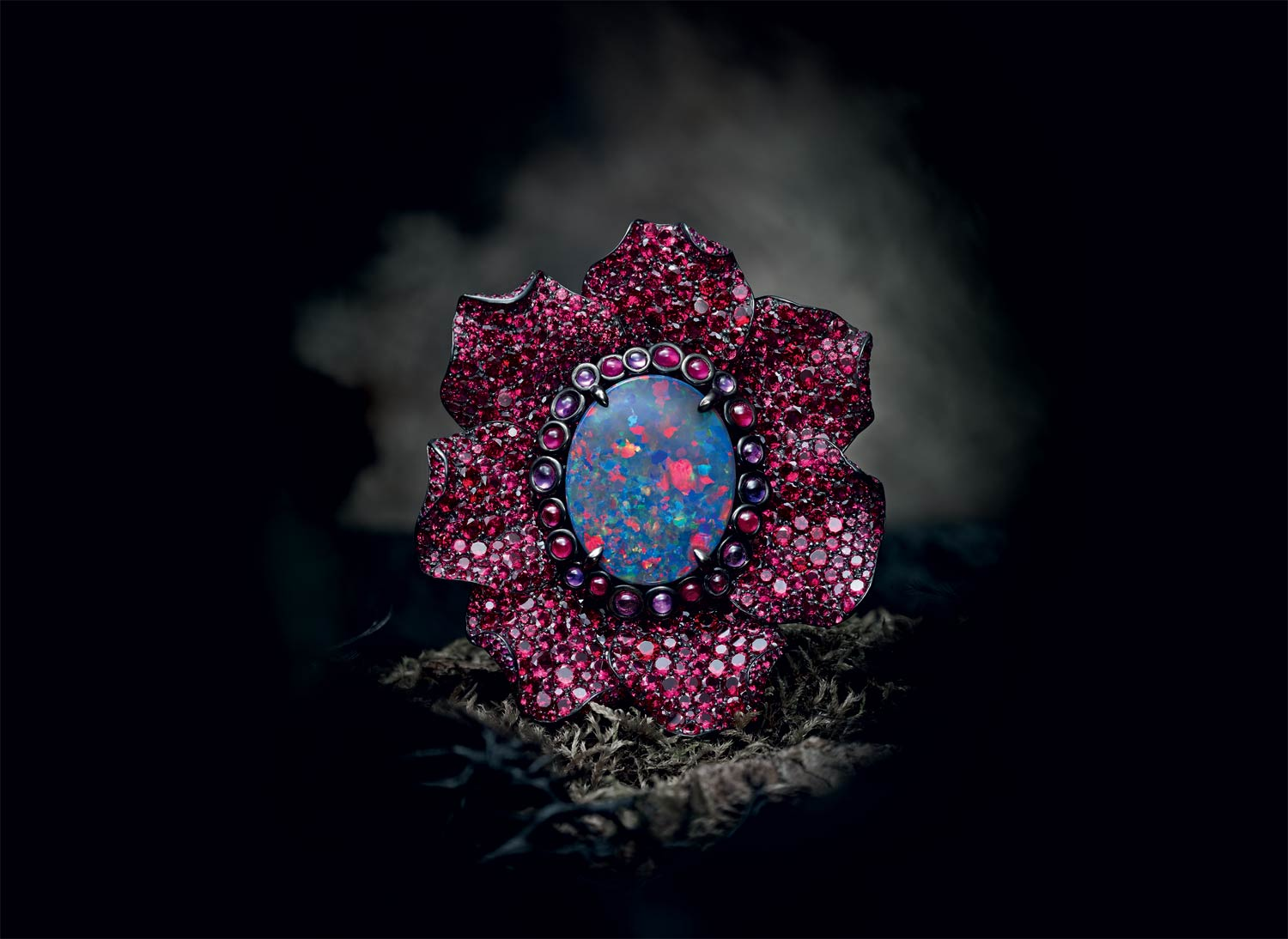 Fleurs d'Opales - Chopard reveals a fascinating Haute Joaillerie capsule collection, an extraordinary, mystery-infused garden