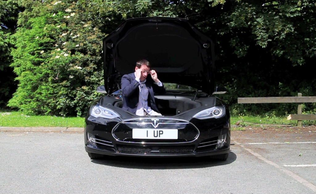 Jon McKnight leaves no stone unturned in his Tesla Model S review