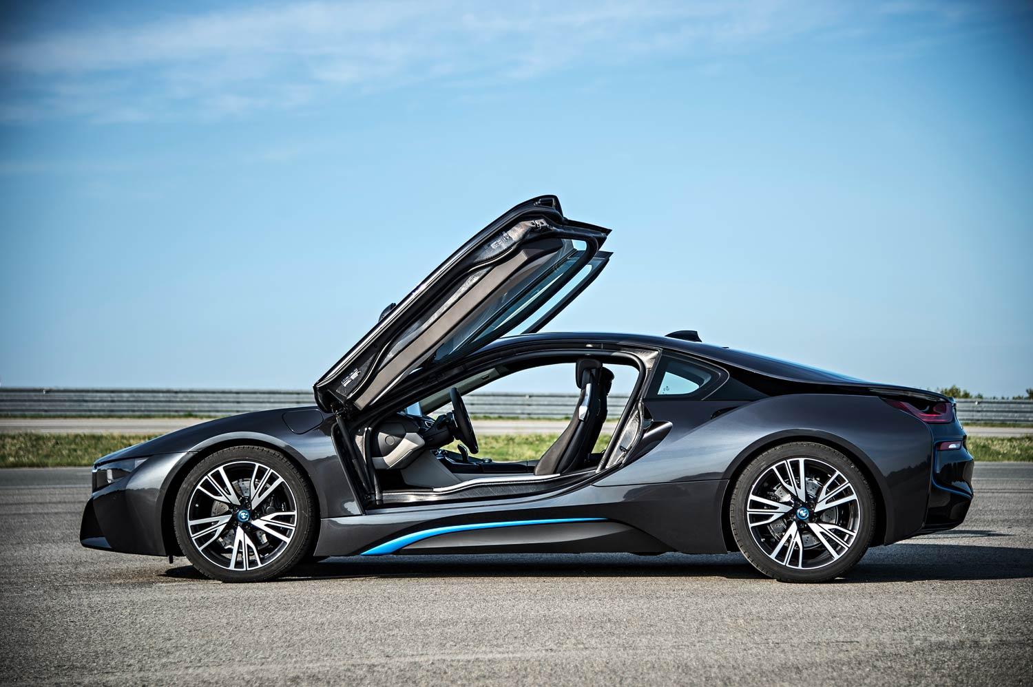 A thousand wows an hour - and 134 miles per gallon - in the super-sexy hybrid BMW i8 26