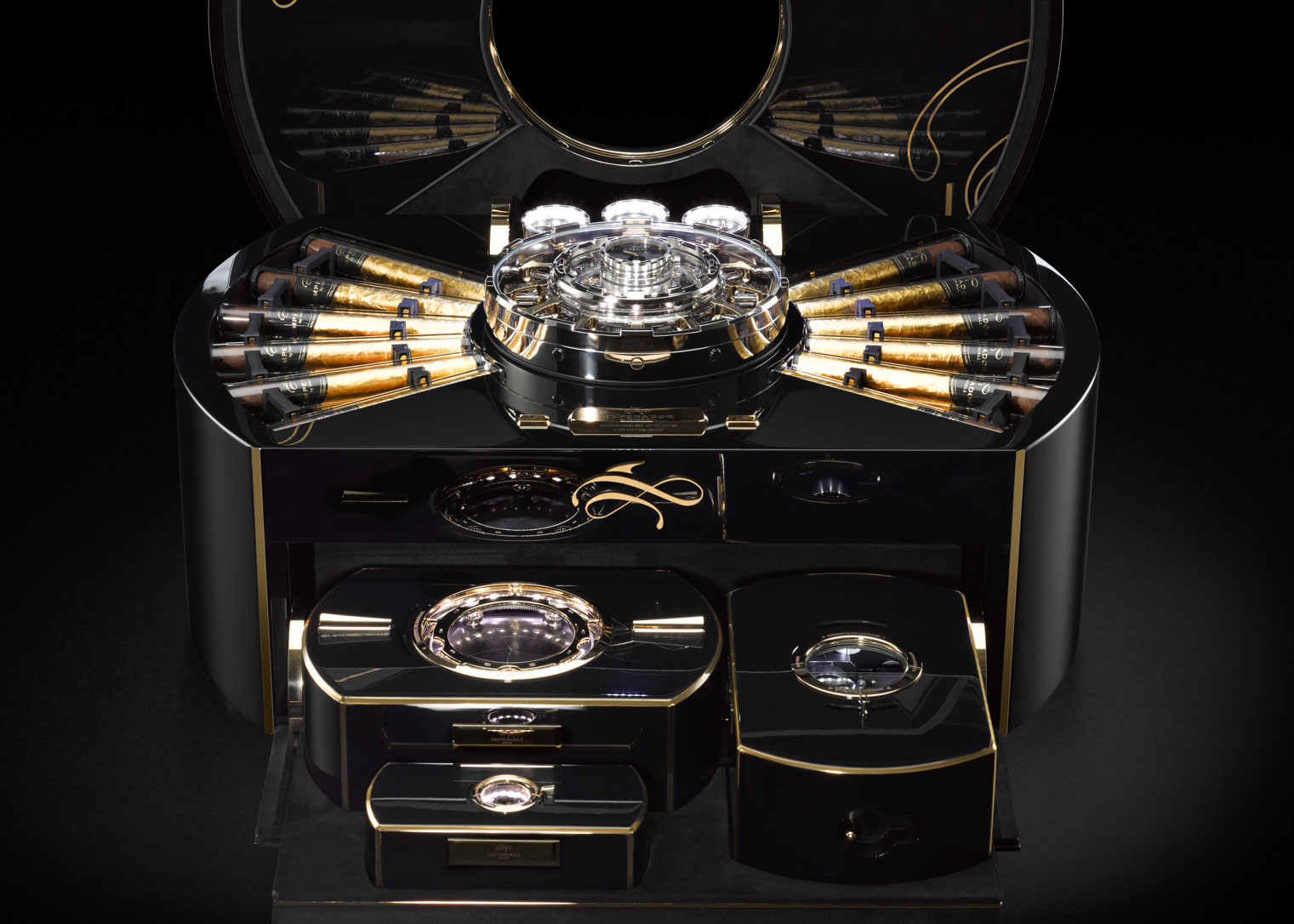 Like a luxurious safe, the heart of the chest conceals two secure, climate-controlled compartments reserved for the 24 cigars each wrapped in four leaves of fine gold