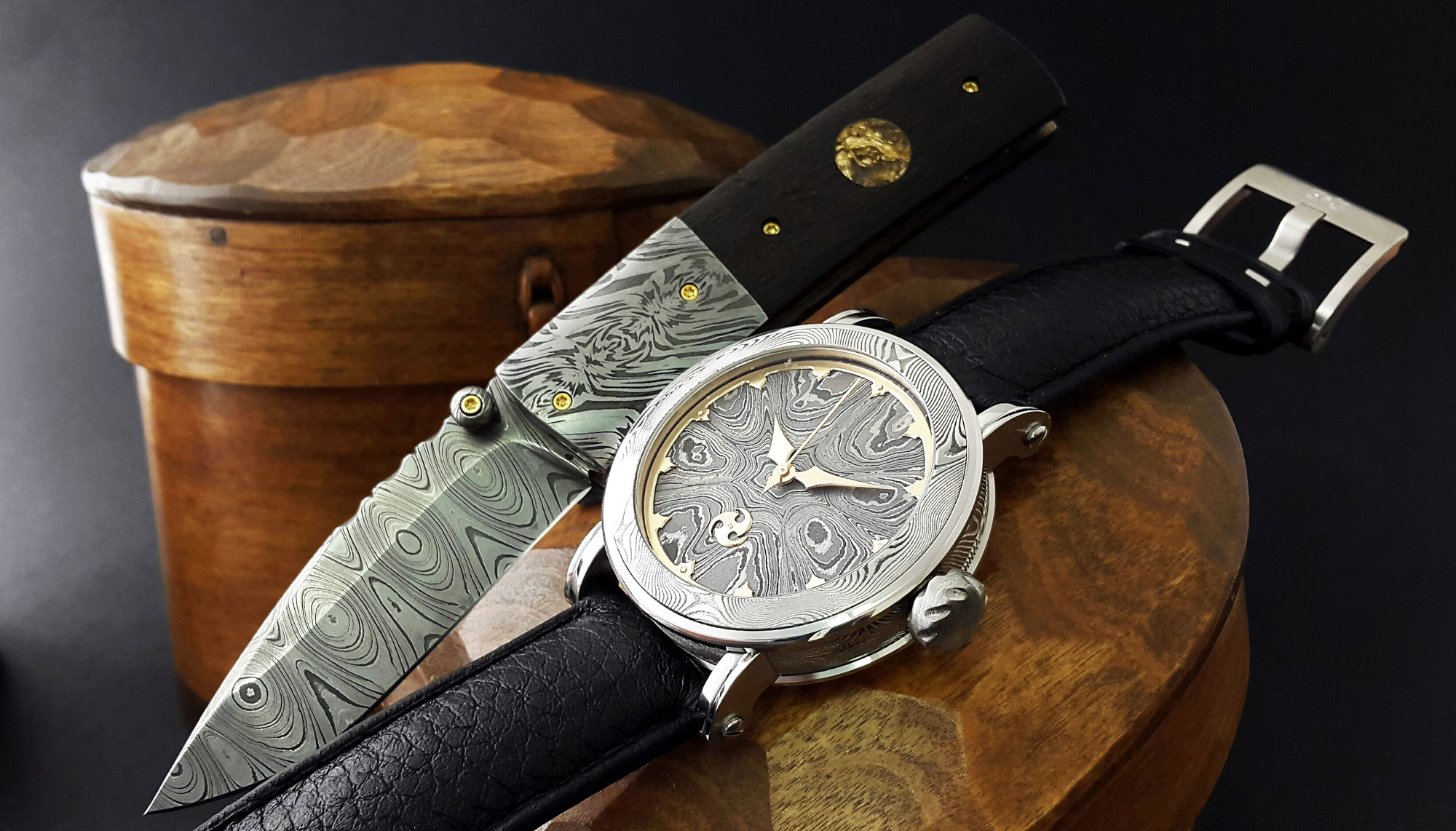 For those who want even more, Gustafsson and Sjögren are also working on a full gentleman's set with a pen, folder knife and cufflinks that match the new GoS Winter Nights watch