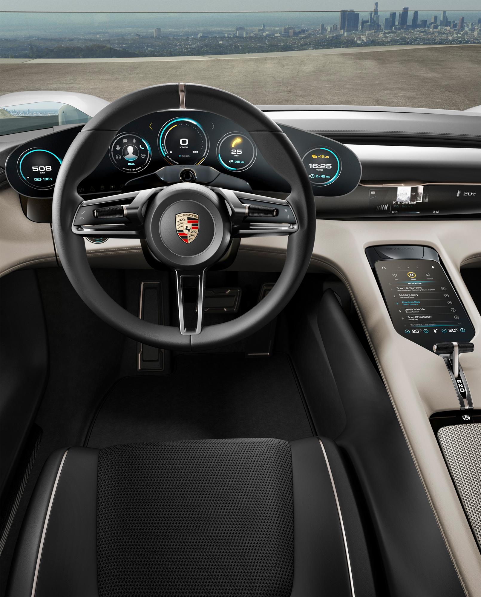 Porsche Mission E: 600 hp, 500 kilometer driving range, 15 minutes charging time