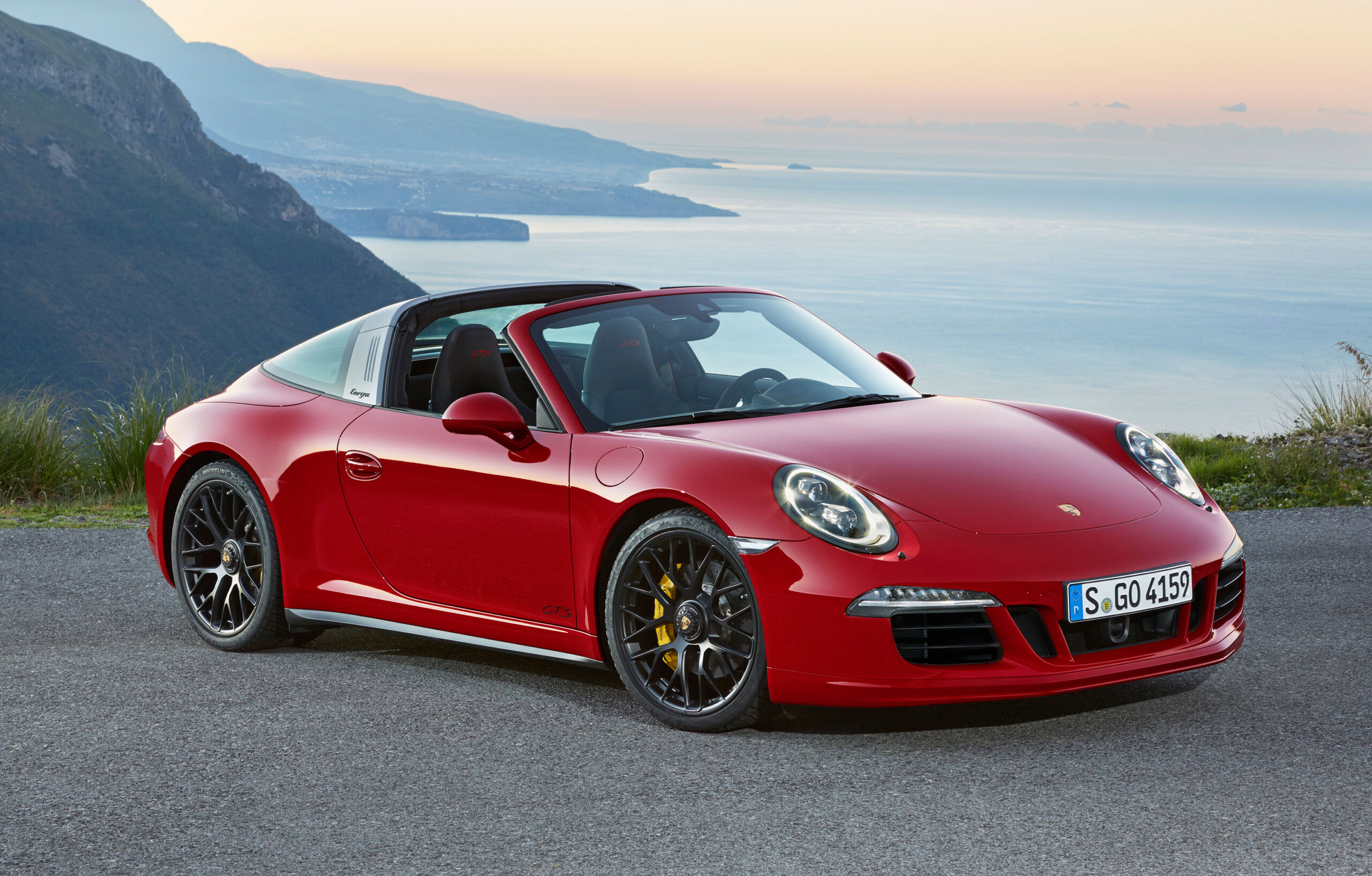 Porsche 911 Targa 4 Road Test