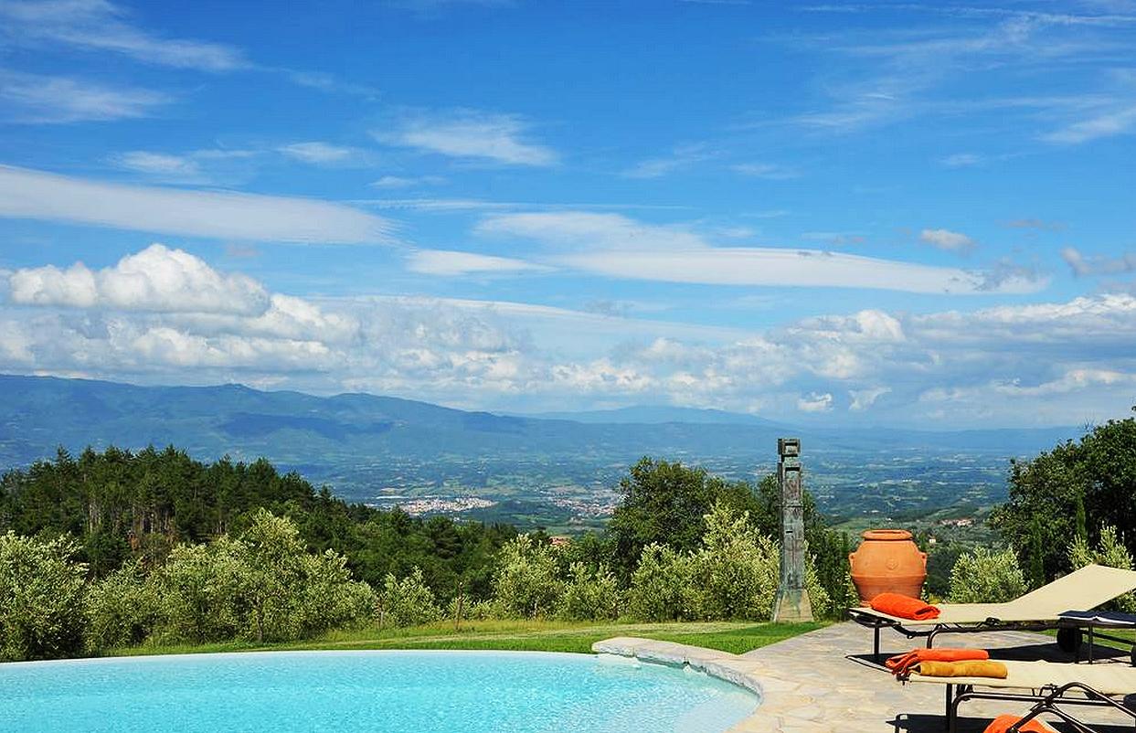 The amazing views from Villa Il Cortile Pratolino in Tuscany