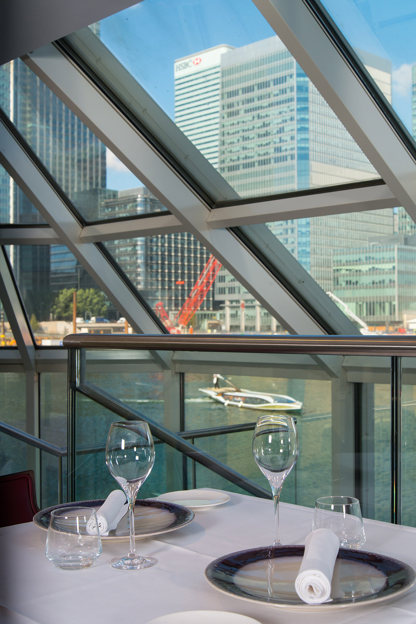 Perched in South Quay, the glass-fronted Bella Cosa restaurant has spectacular cityscape views of Canary Wharf