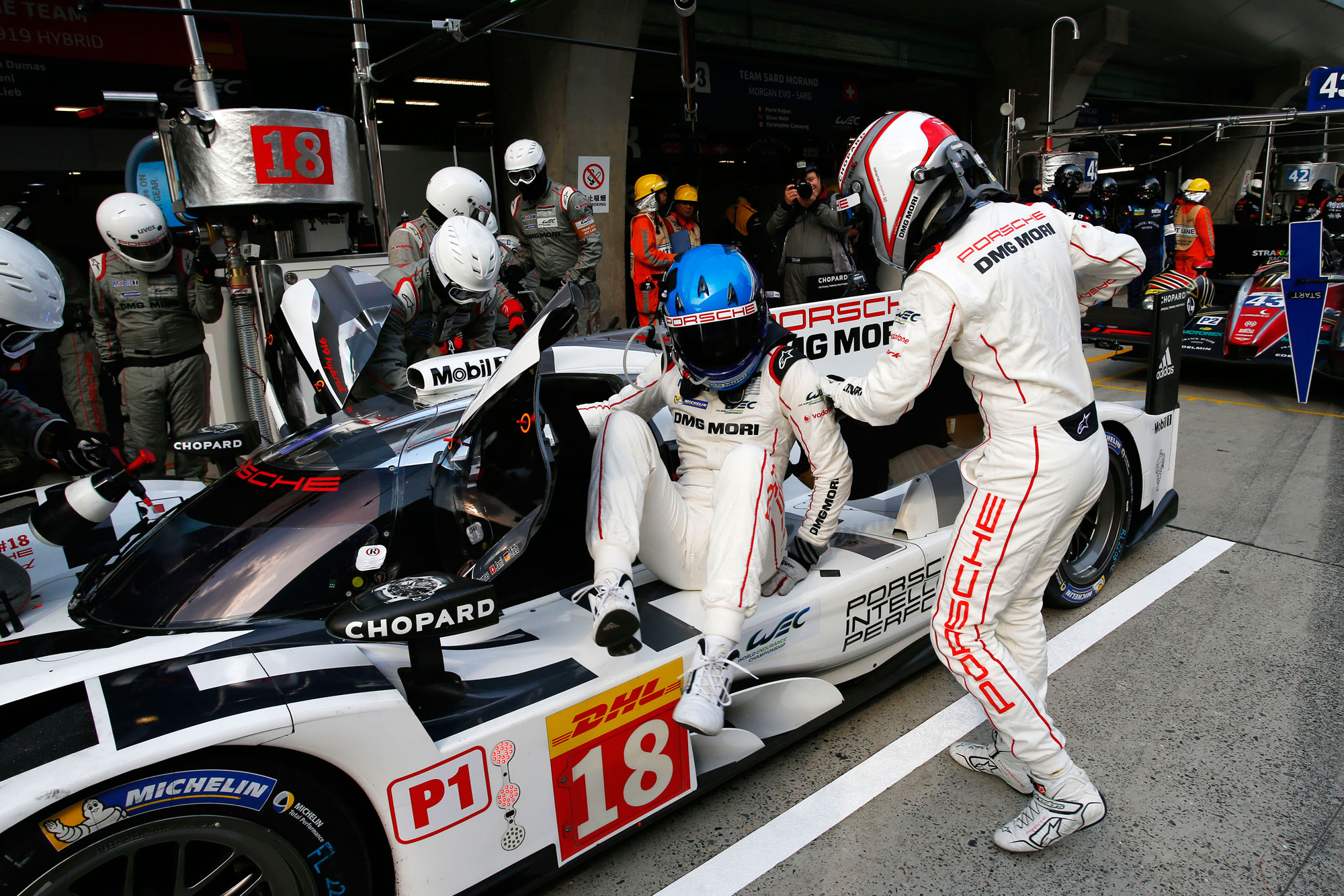 Porsche Score 1-2 in Shanghai To Become FIA WEC World Champions For 2015 11
