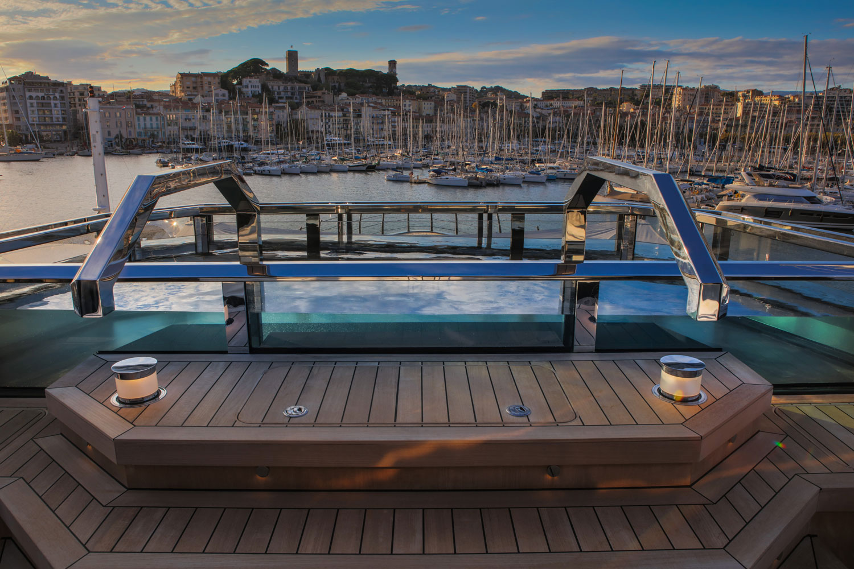 Atlante sun deck and pool