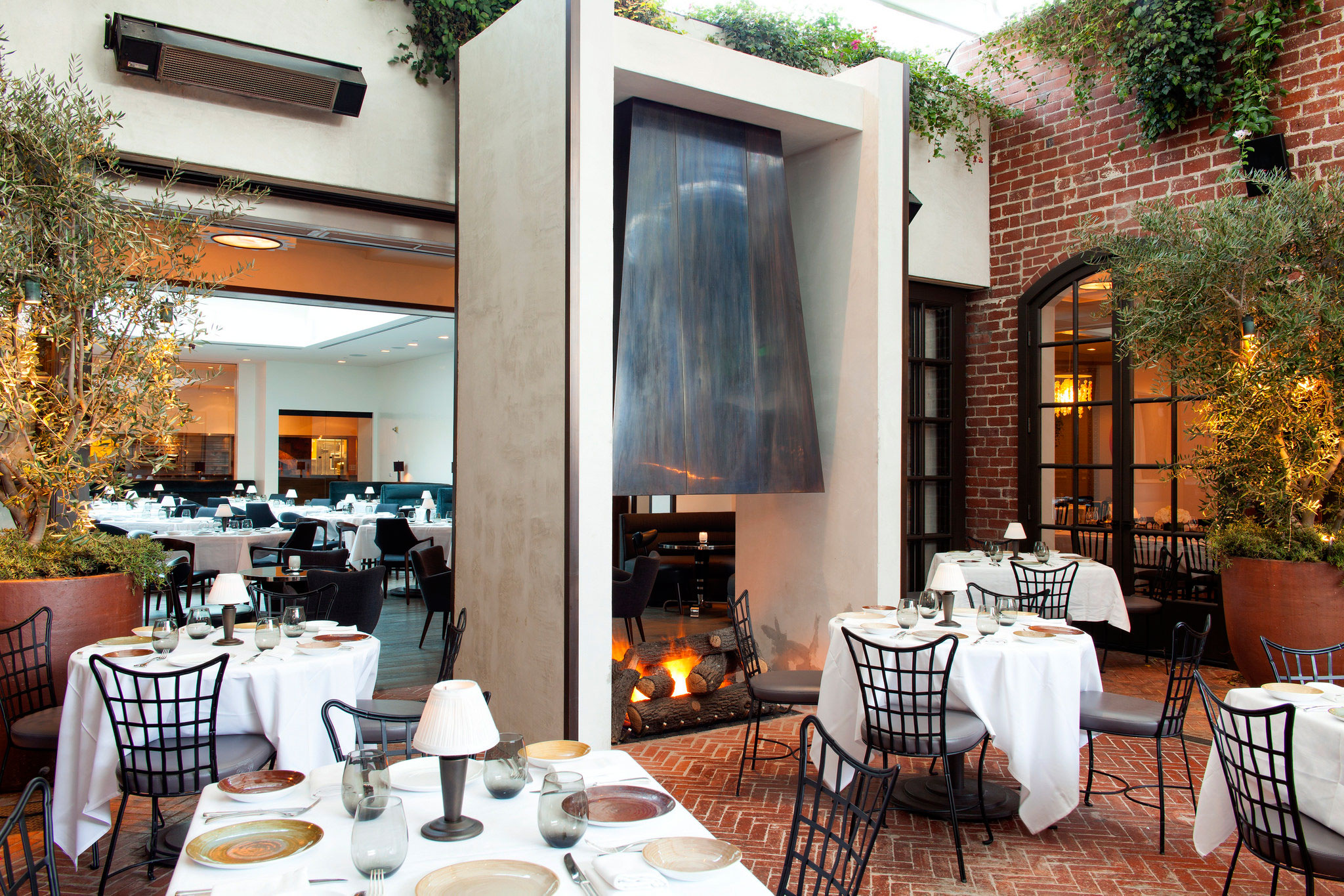 Spago, a partner of AKA Beverly Hills, has become one of the most popular restaurants on the street