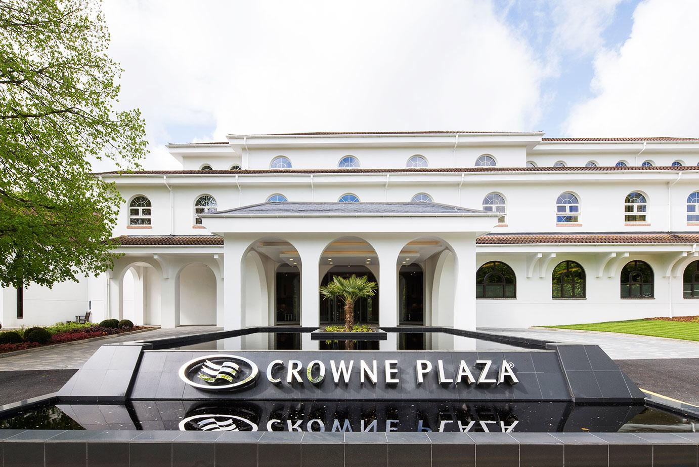 Sabi Phagura and Simon Wittenberg visit the Crowne Plaza Gerrards Cross, one of Buckinghamshire's newest hotels