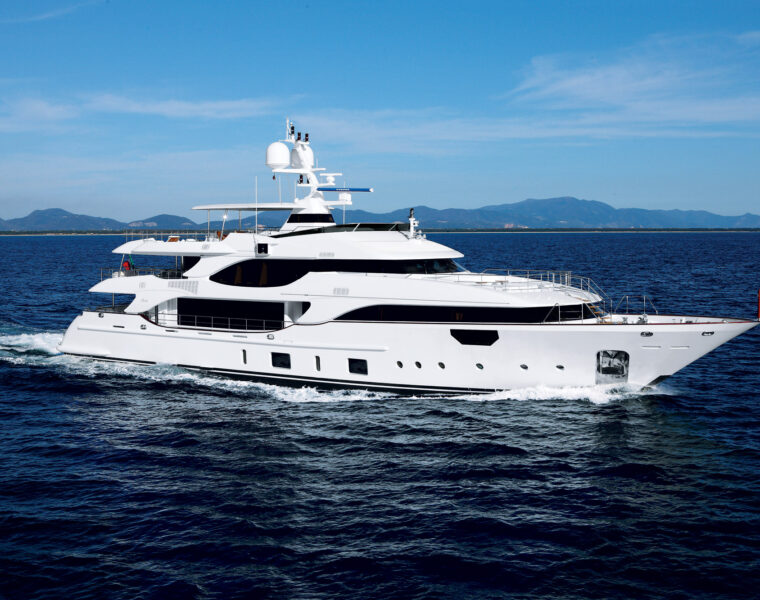 Overview Of The Benetti Crystal 140 M/Y MR D