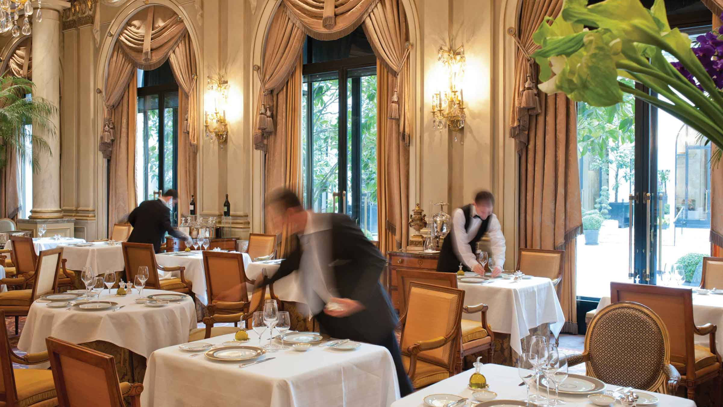 Le Cinq at Four Seasons Hotel George V Gets 3rd Michelin Star