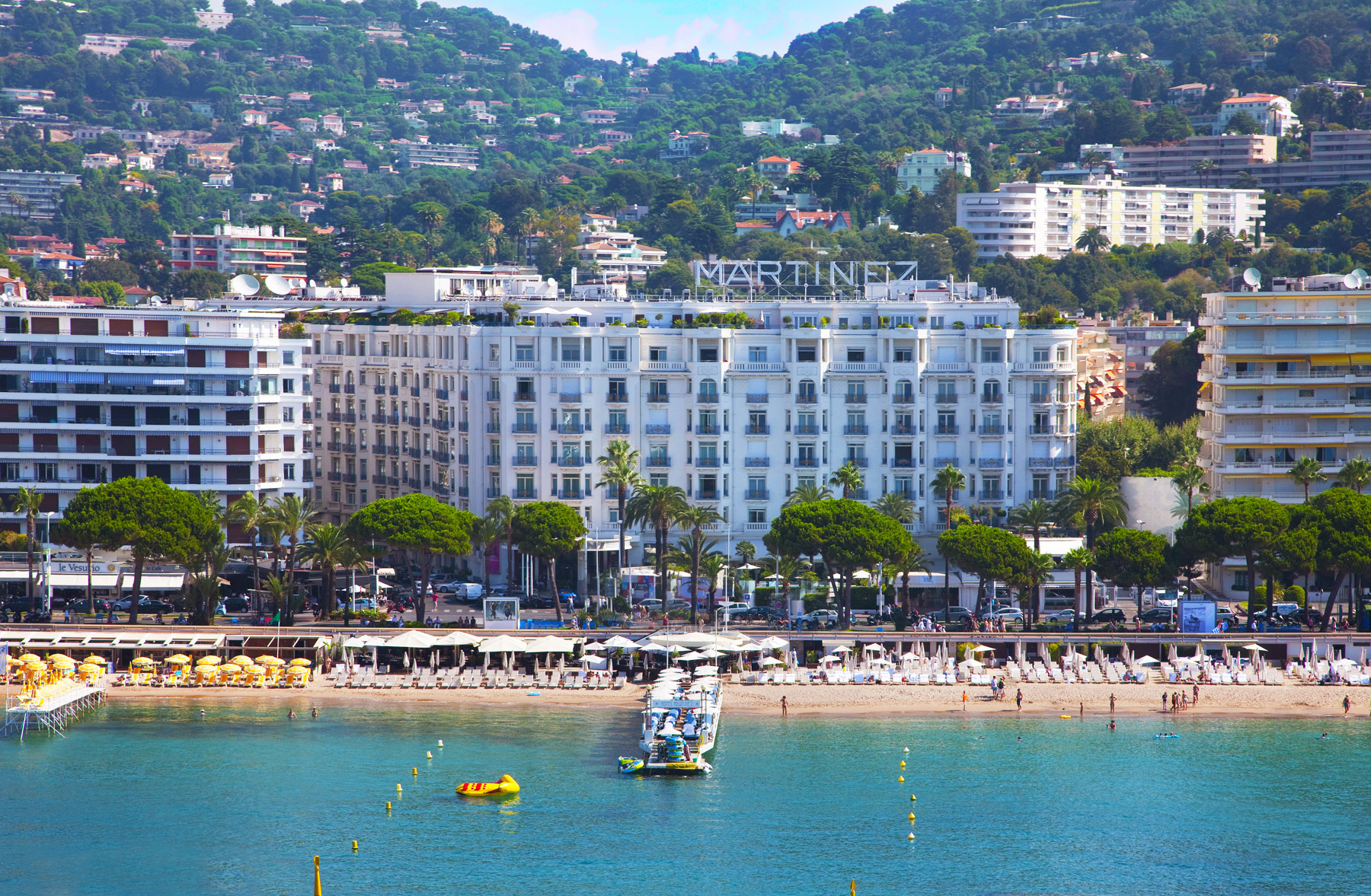 Interview with alessandro cresta of the grand hyatt cannes for Hotels cannes