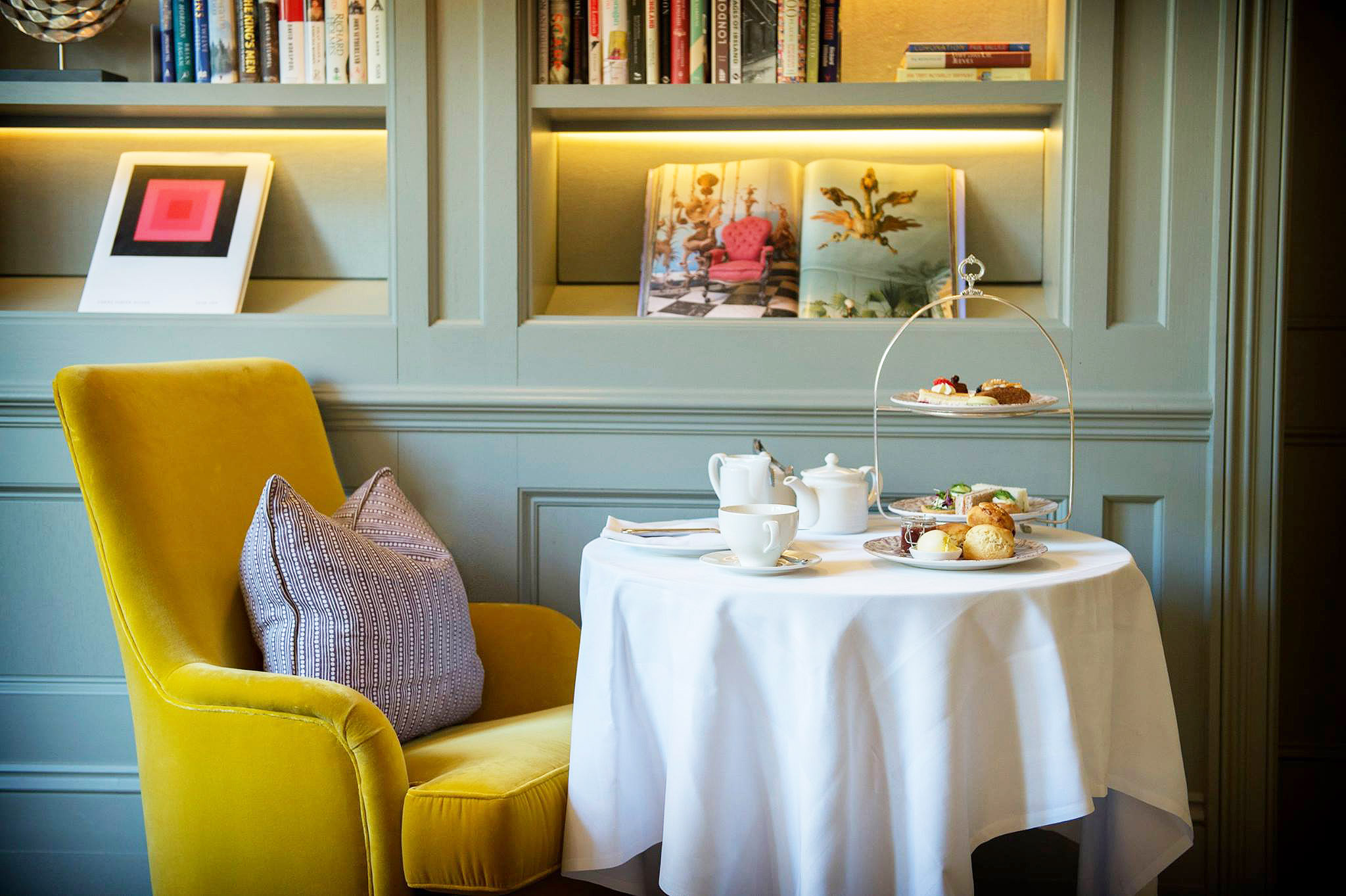 The Kensington hotel, London has launched its delicious gluten-free afternoon teas, including complimentary Botticelli Reimagined tickets at the V&A. Gina Baksa tucks in her napkin…