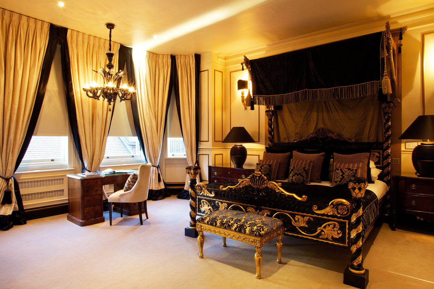 Modern Day Majesty At 11 Cadogan Gardens In London