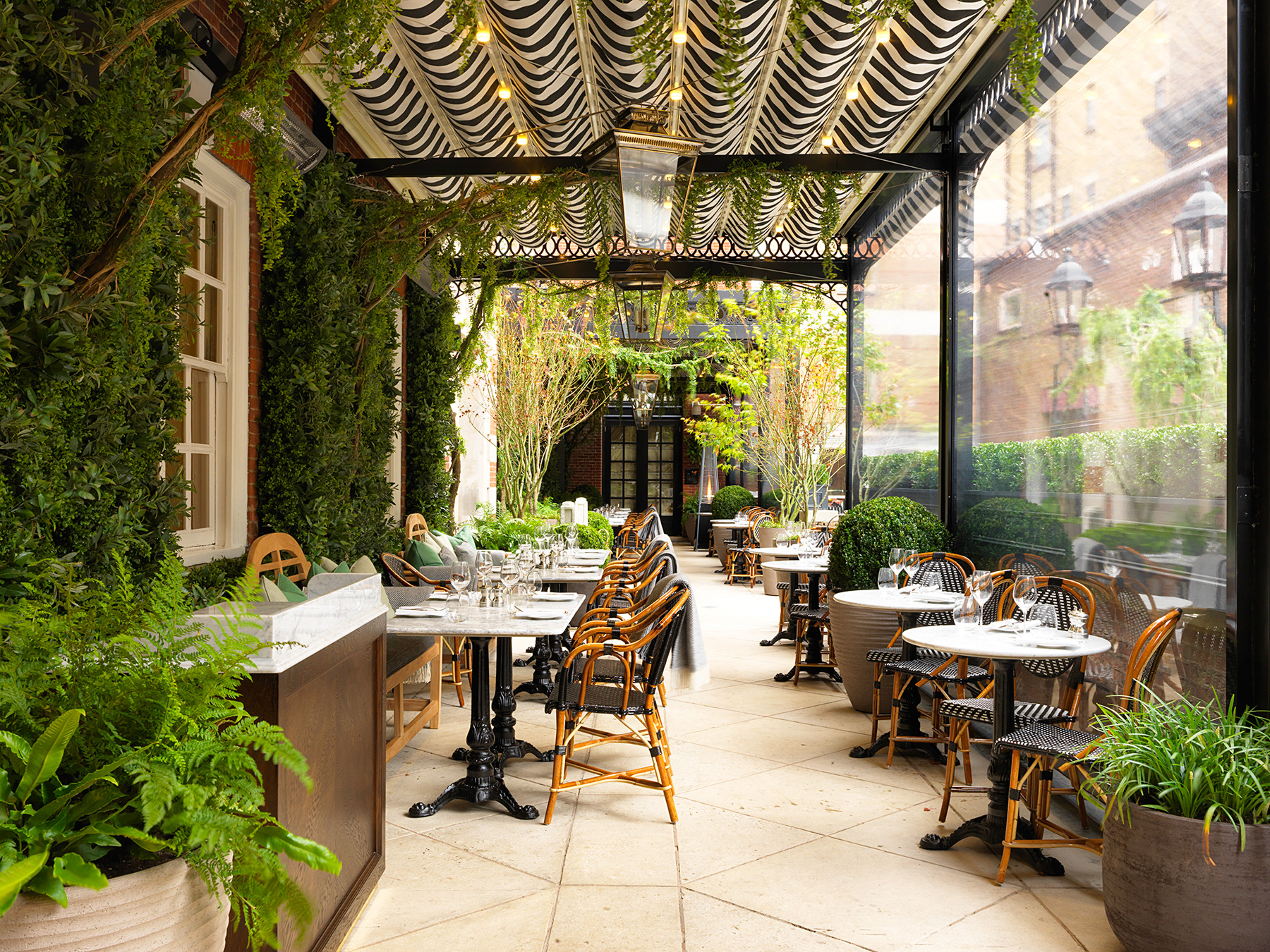 Dalloway terrace at the bloomsbury london for Best private dining rooms west end london