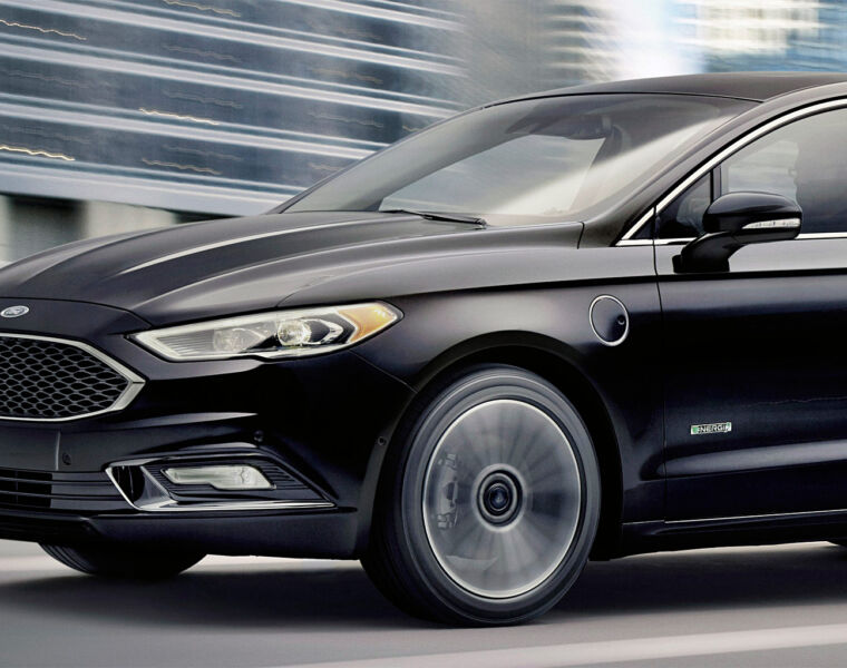 Electric Cars: The Charge of Ford's 2017 Fusion Energi Bridgade