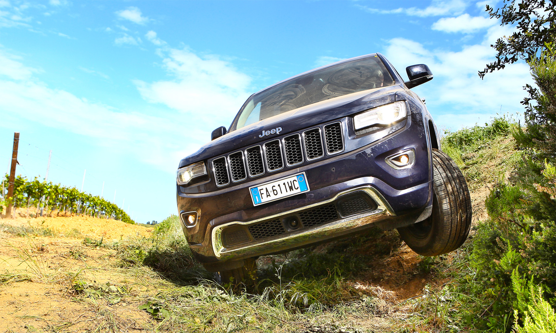 Jeep Grand Cherokee 3.0 V6 CRD Overland Road Test In St.Tropez